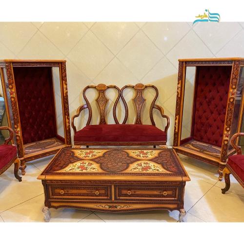 مبلمان کلاسیک چپندر و میز وسط